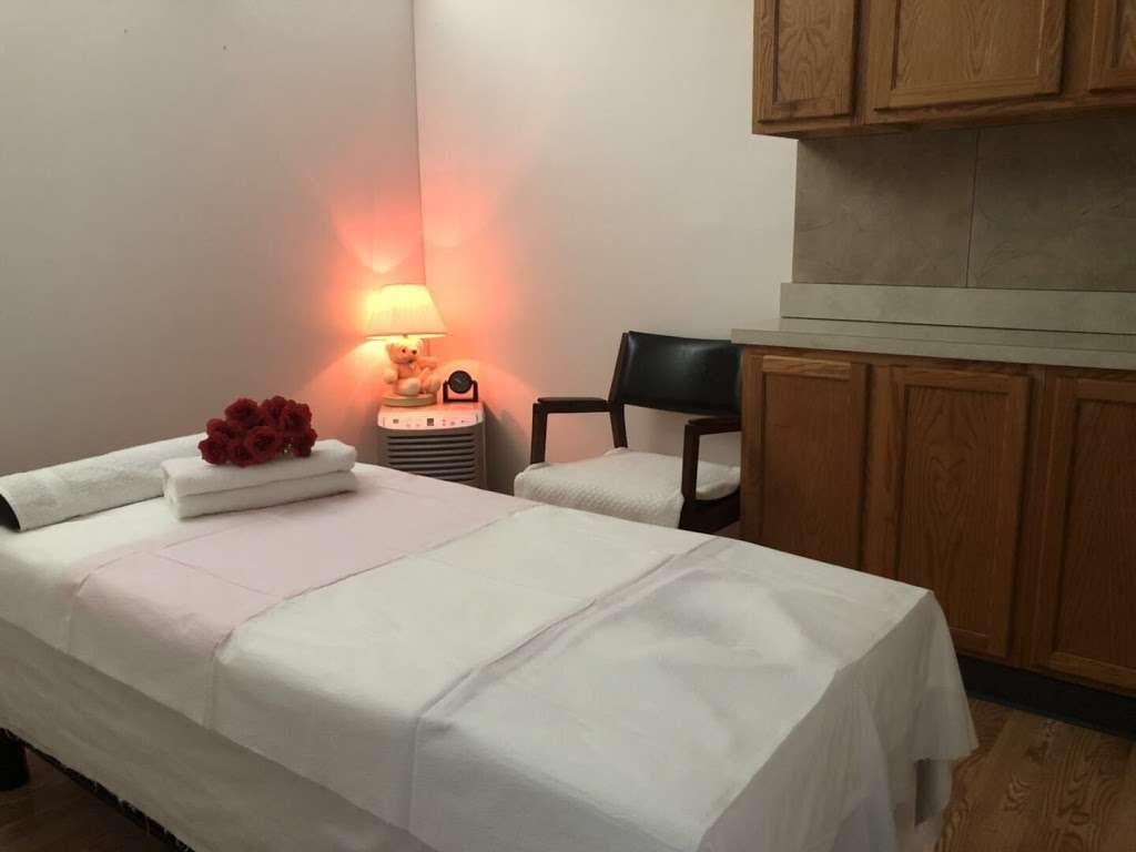 Lavender Massage - spa  | Photo 1 of 9 | Address: 5375 US-34, Oswego, IL 60543, USA | Phone: (630) 465-3764