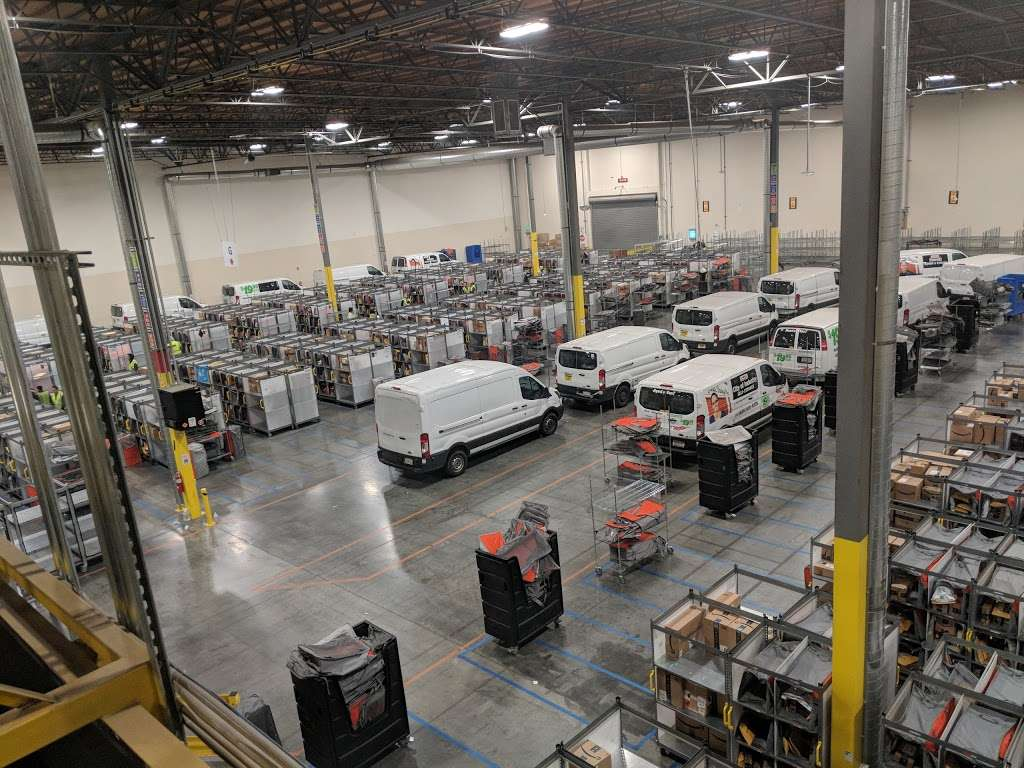 Amazon Delivery Station - Chino (DLA7) - storage  | Photo 1 of 4 | Address: 15940 Euclid Ave, Chino, CA 91708, USA | Phone: 800-372-8066