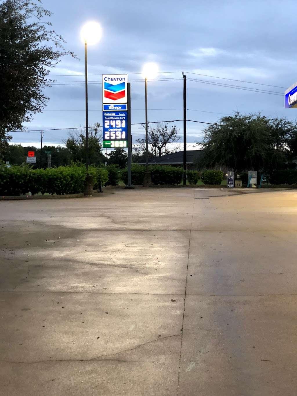 CHEVRON - SENS FOOD MART - convenience store  | Photo 9 of 10 | Address: 1444 Sens Rd, La Porte, TX 77571, USA | Phone: (281) 470-2700
