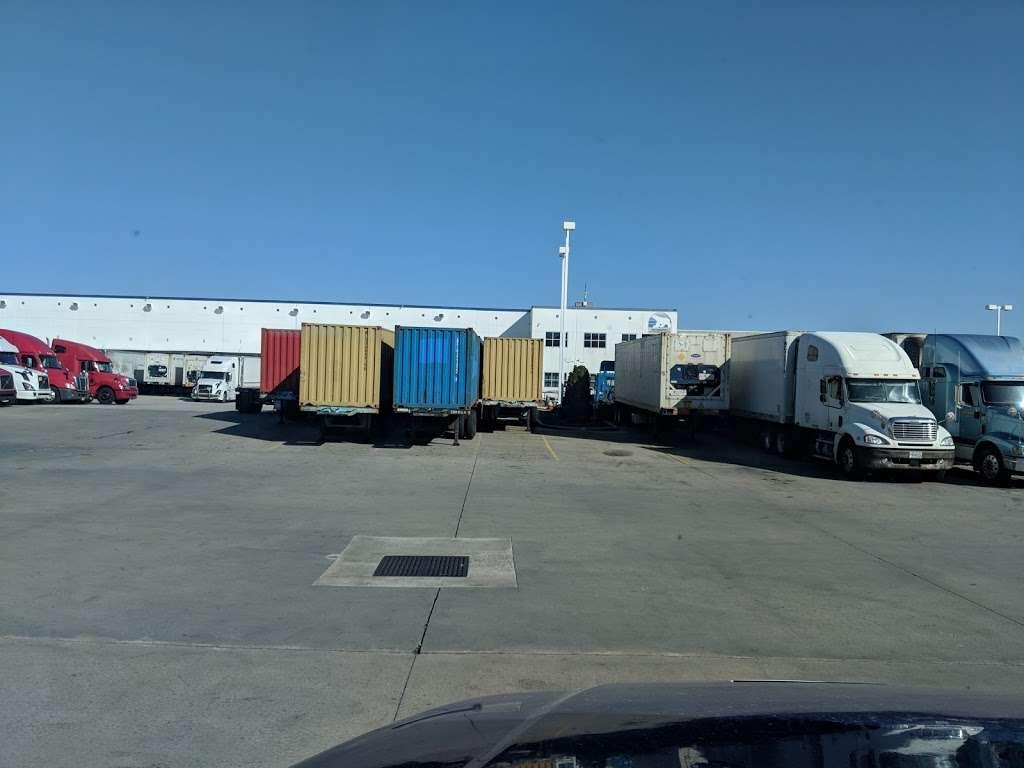 Preferred Freezer Services - storage  | Photo 6 of 10 | Address: 100 Polar Way, Jersey City, NJ 07305, USA | Phone: (201) 915-3800