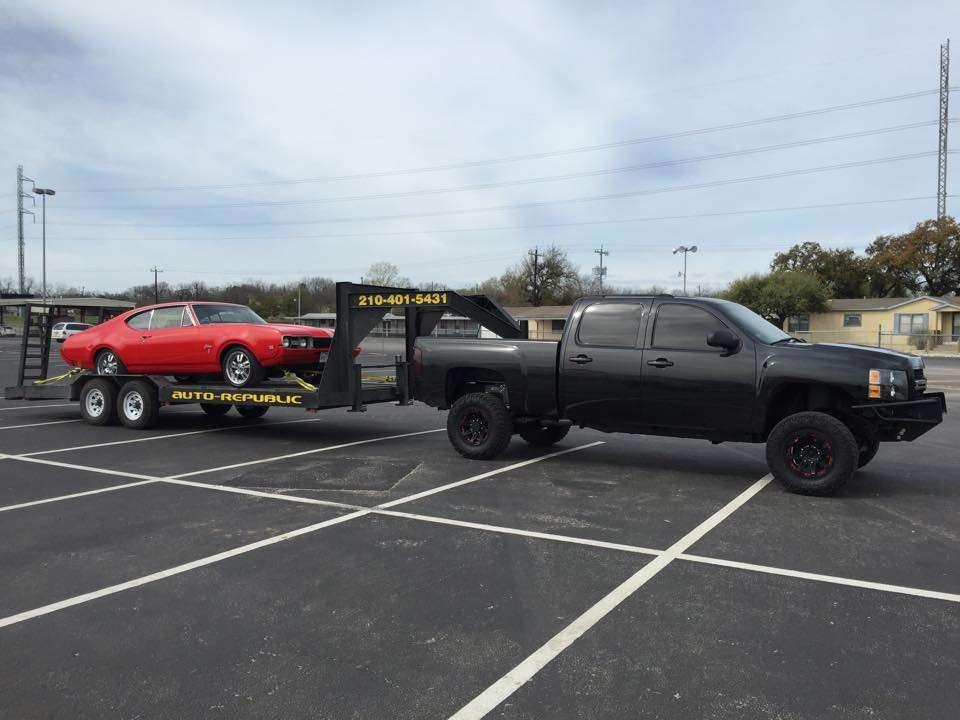 Auto-Republic Collision Repair Center - car repair  | Photo 6 of 10 | Address: 6545 Walzem Rd, San Antonio, TX 78239, USA | Phone: (210) 401-5431