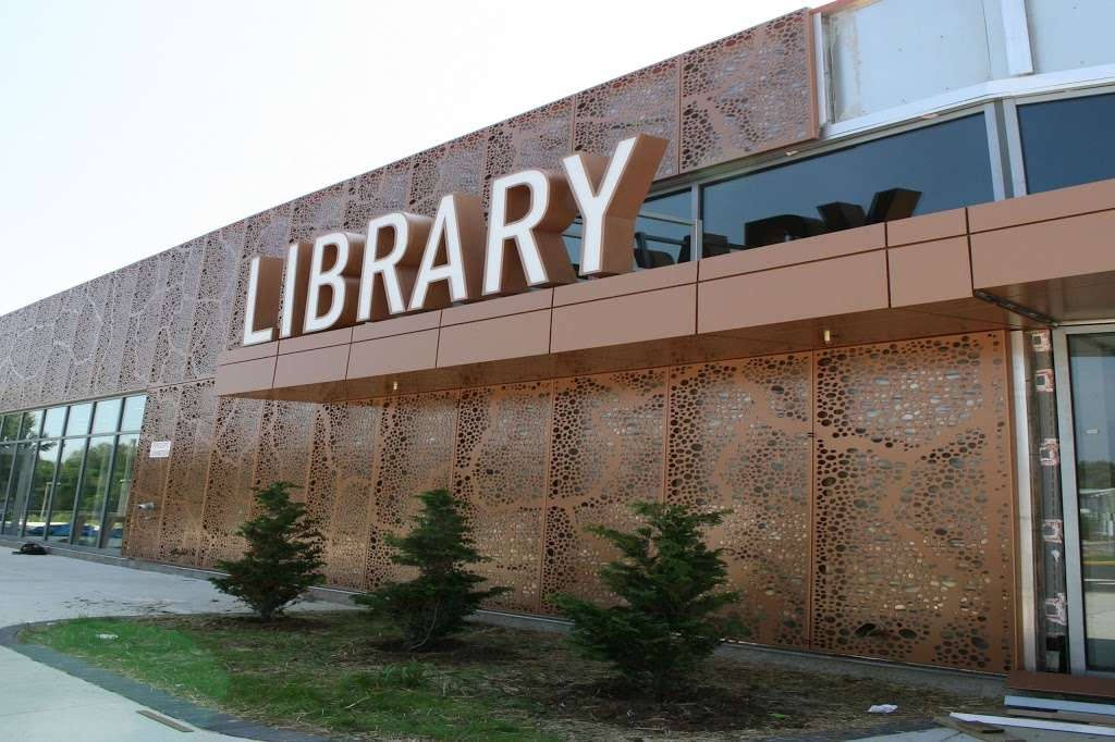 Route 9 Library & Innovation Center - library  | Photo 2 of 10 | Address: 3022 New Castle Ave, New Castle, DE 19720, USA | Phone: (302) 657-8020