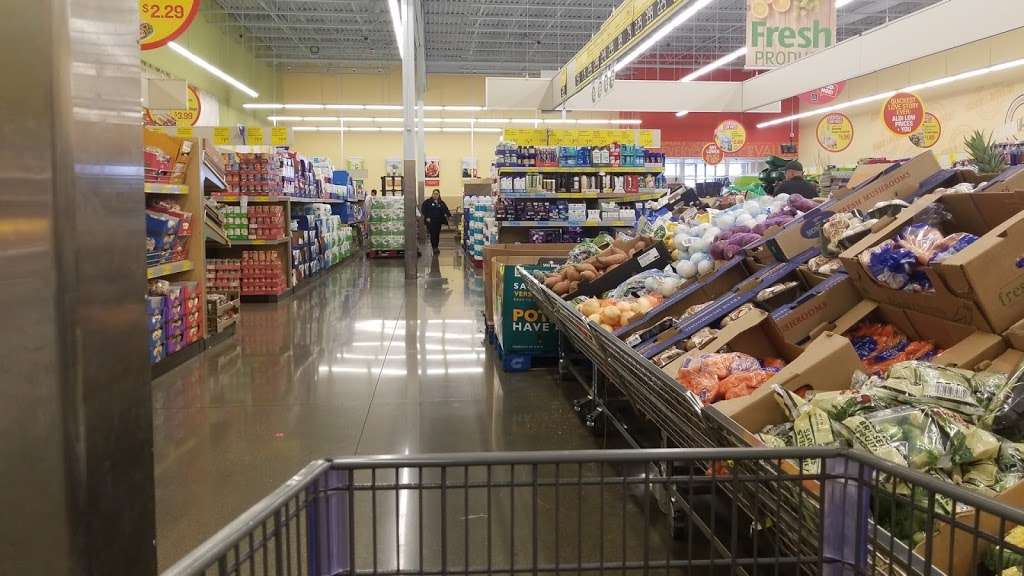 ALDI - supermarket  | Photo 1 of 10 | Address: 2226 N Richmond Rd, McHenry, IL 60051, USA | Phone: (855) 955-2534