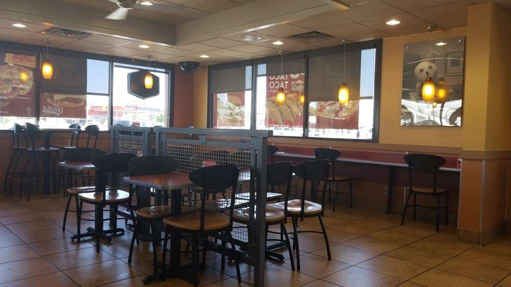 Jack in the Box - restaurant    Photo 5 of 10   Address: 2720 W Northwest Hwy, Dallas, TX 75220, USA   Phone: (214) 352-9049