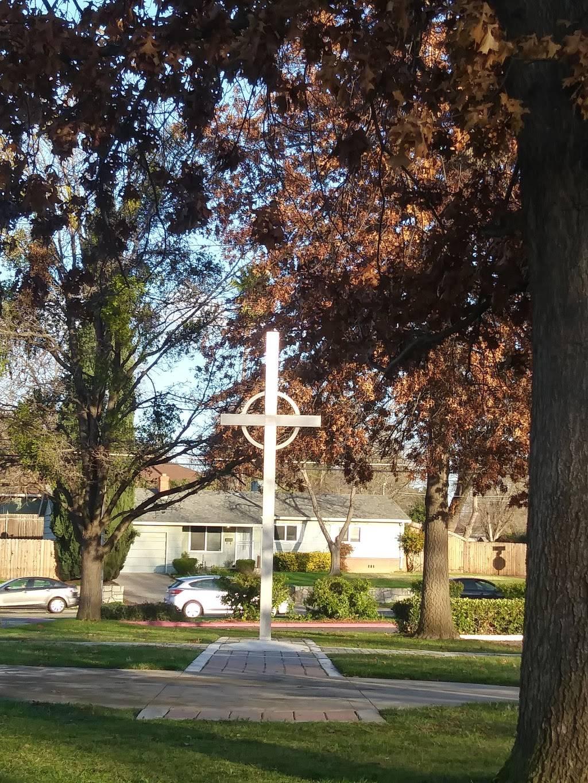 Celtic Cross Church - church  | Photo 2 of 5 | Address: 5839 Dewey Dr, Citrus Heights, CA 95621, USA | Phone: (916) 967-1414
