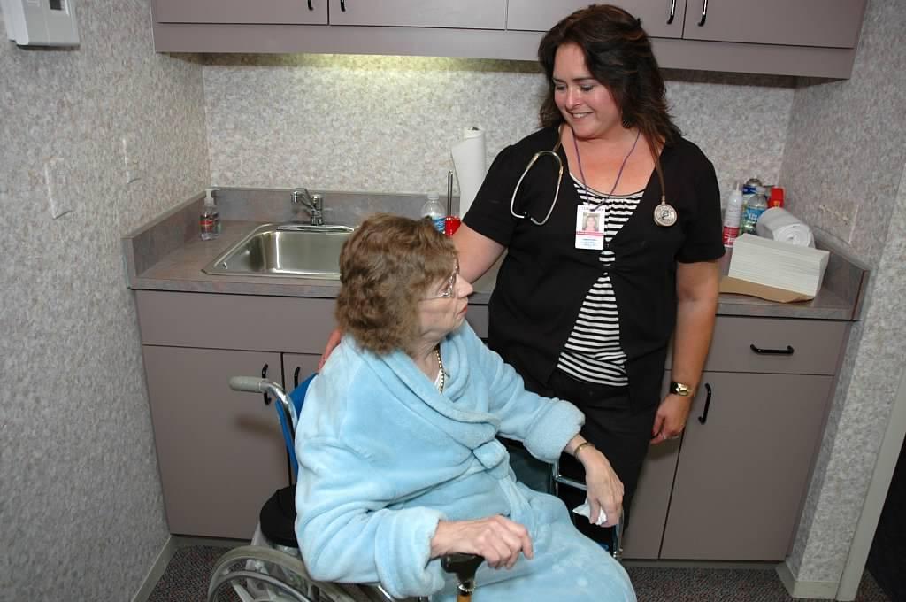 Caremate Home Health Care Inc - health  | Photo 3 of 3 | Address: 2236 Marshall Ave, St Paul, MN 55104, USA | Phone: (651) 659-0208