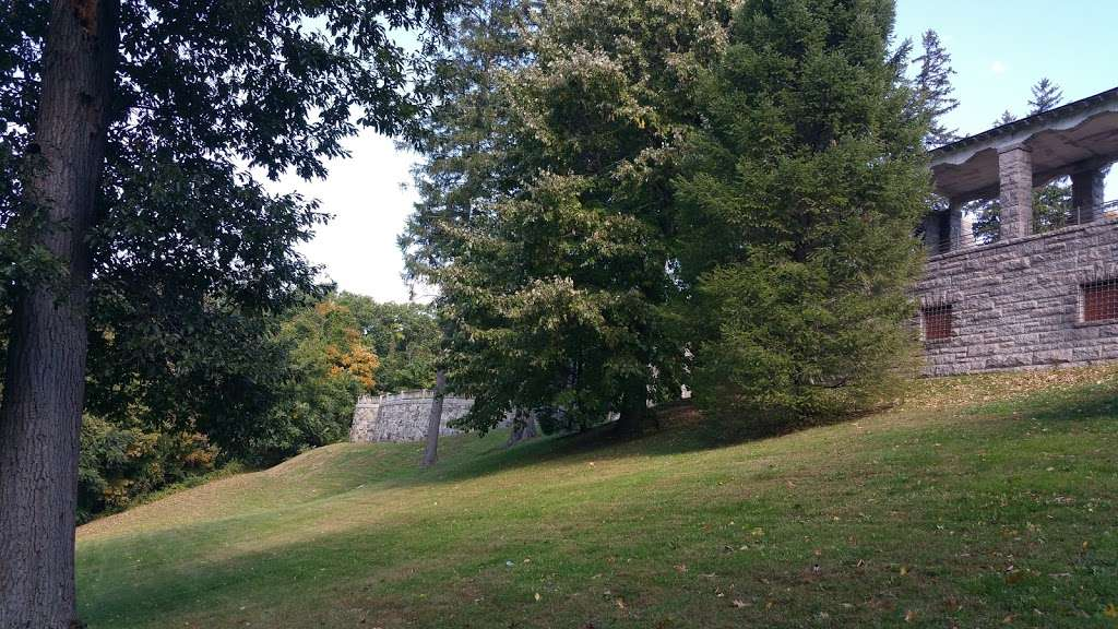 Greycourt State Park - park  | Photo 5 of 10 | Address: 37 Pleasant St, Methuen, MA 01844, USA | Phone: (978) 983-8545