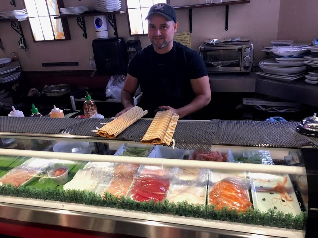 Sunnys Sushi - restaurant    Photo 10 of 10   Address: 910 E Redd Rd, El Paso, TX 79912, USA   Phone: (915) 842-9508