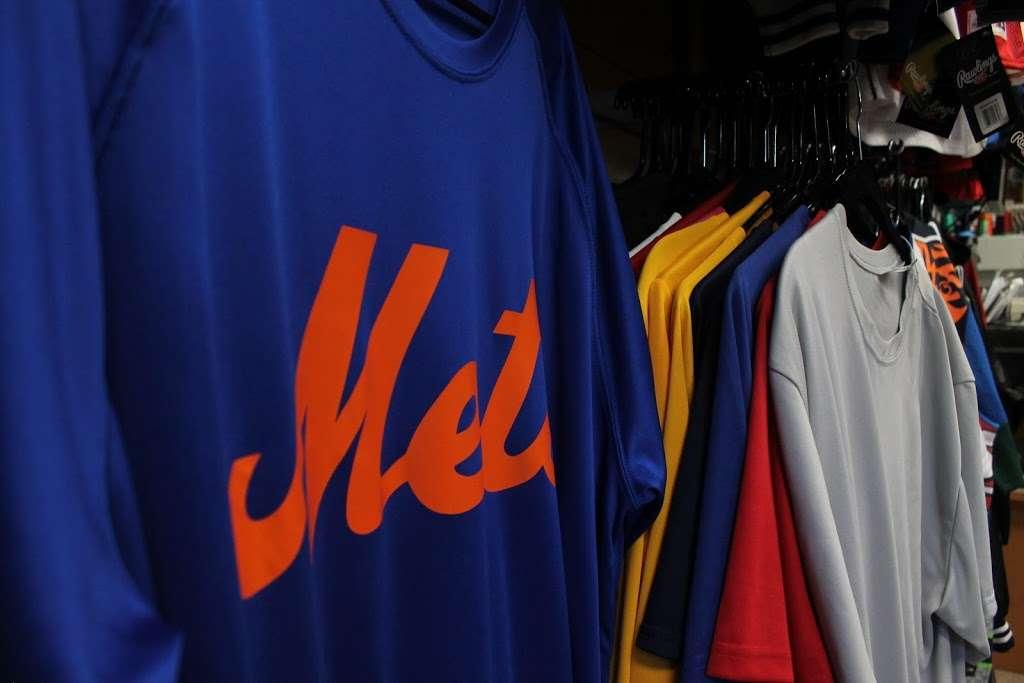 J&J Sport Pro - clothing store  | Photo 7 of 10 | Address: 7515 Myrtle Ave, Glendale, NY 11385, USA | Phone: (718) 821-1948