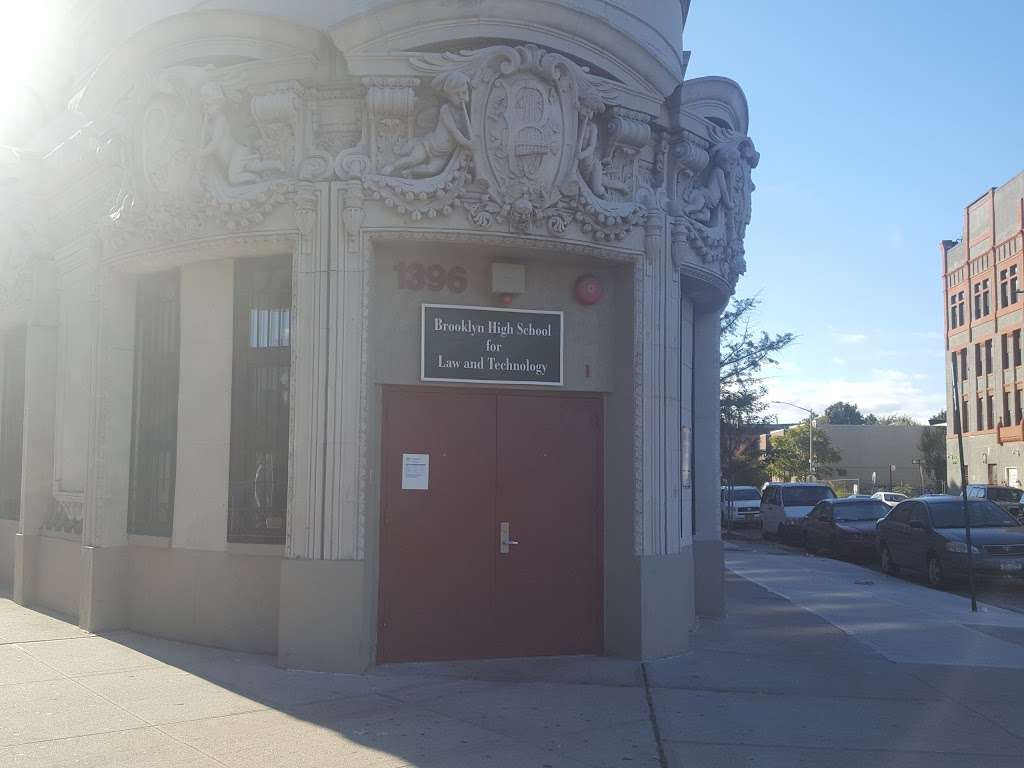 Brooklyn High School for Law and Technology - school  | Photo 8 of 10 | Address: 1396 Broadway, Brooklyn, NY 11221, USA | Phone: (718) 919-1256