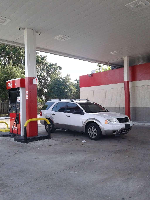 Ugas - gas station  | Photo 1 of 3 | Address: 1117 Palm Beach Lakes Blvd, West Palm Beach, FL 33401, USA