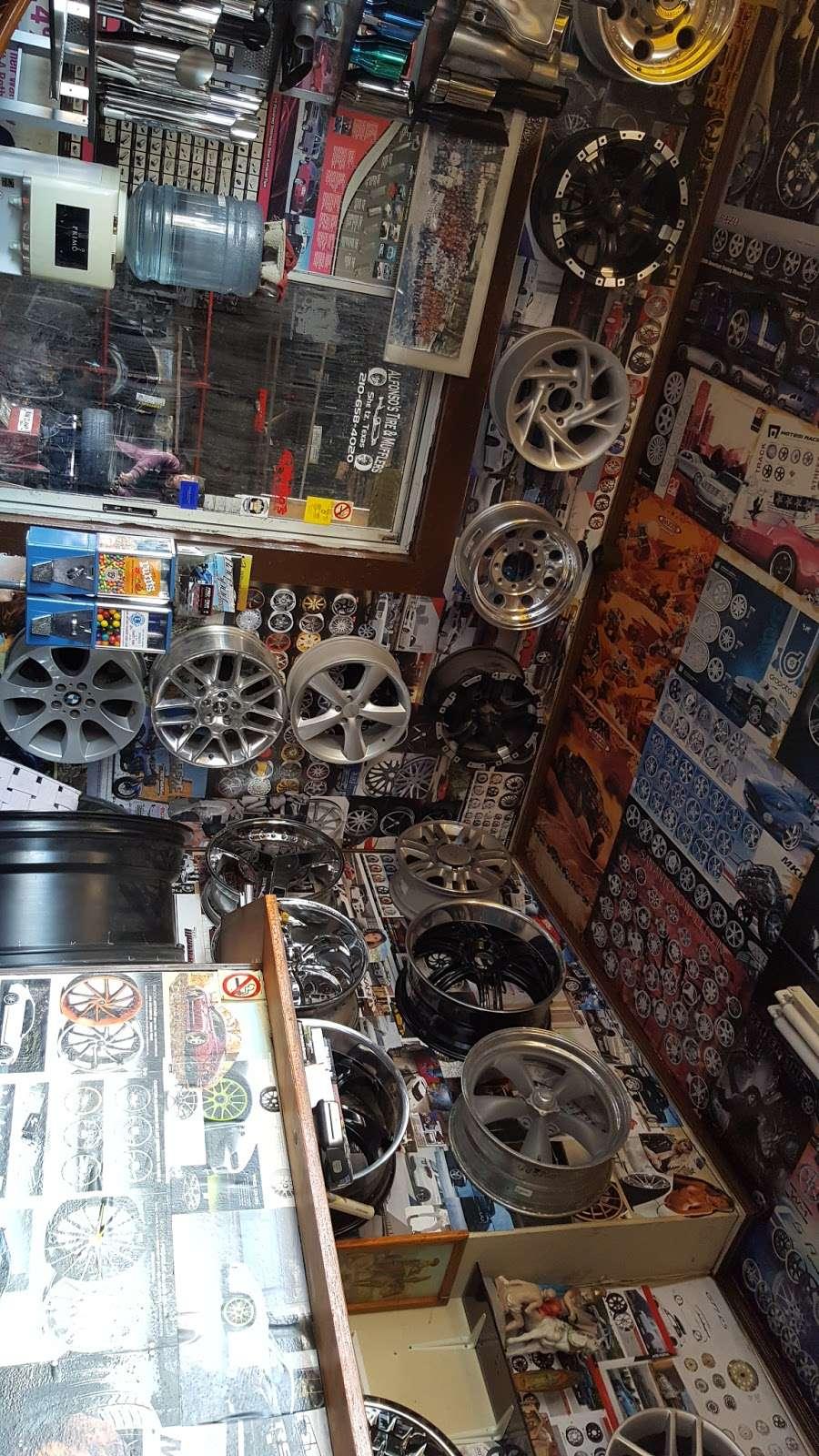 Alfonsos Tire & Wheels - car repair  | Photo 2 of 10 | Address: 432 Main St, Schertz, TX 78154, USA | Phone: (210) 658-4020
