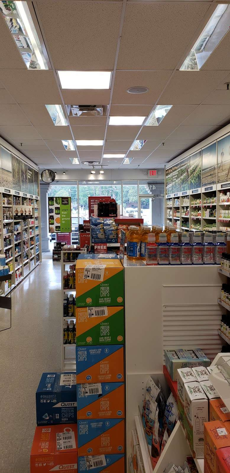 GNC - store  | Photo 1 of 10 | Address: 725 River Rd, Edgewater, NJ 07020, USA | Phone: (201) 941-5430