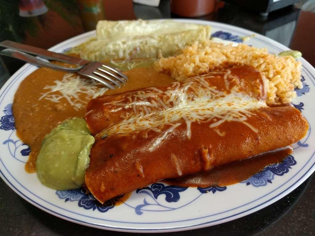 Whipple Taqueria Mexican Restaurant - restaurant  | Photo 7 of 10 | Address: 1790 Whipple Rd, Union City, CA 94587, USA | Phone: (510) 489-1224