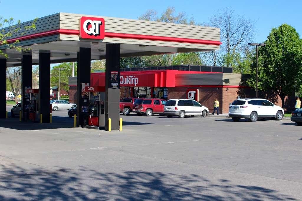 QuikTrip - gas station  | Photo 1 of 10 | Address: 2009 W Glendale Ave, Phoenix, AZ 85021, USA | Phone: (602) 841-7032