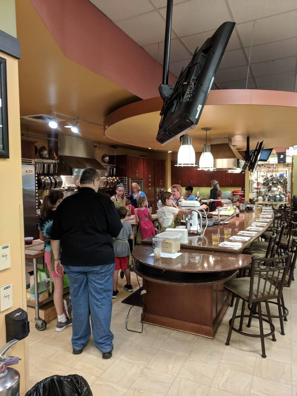 Rolling Pin Kitchen Emporium - department store  | Photo 4 of 10 | Address: 2080 Badlands Dr, Brandon, FL 33511, USA | Phone: (813) 653-2418