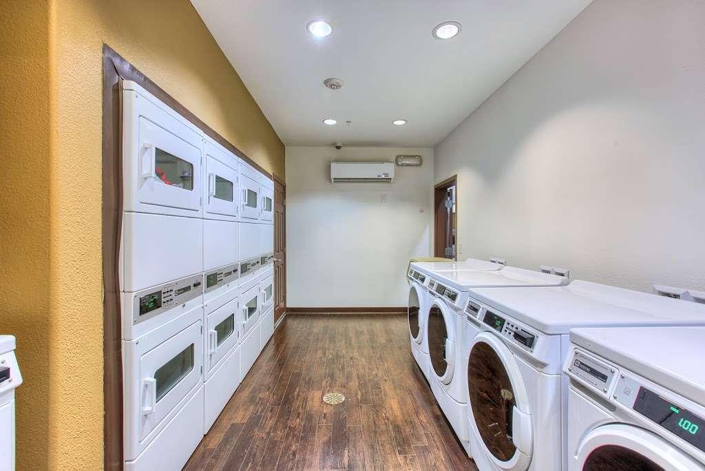Tempo Senior Apartments - real estate agency  | Photo 5 of 10 | Address: 5625 S Hollywood Blvd, Las Vegas, NV 89122, USA | Phone: (702) 990-2771