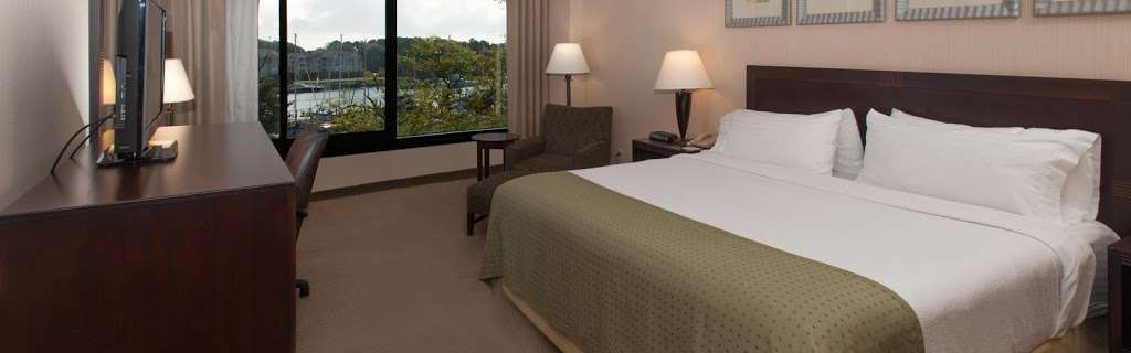 Holiday Inn Solomons-Conf Center & Marina - lodging  | Photo 2 of 10 | Address: 155 Holiday Dr, Solomons, MD 20688, USA | Phone: (410) 326-6311