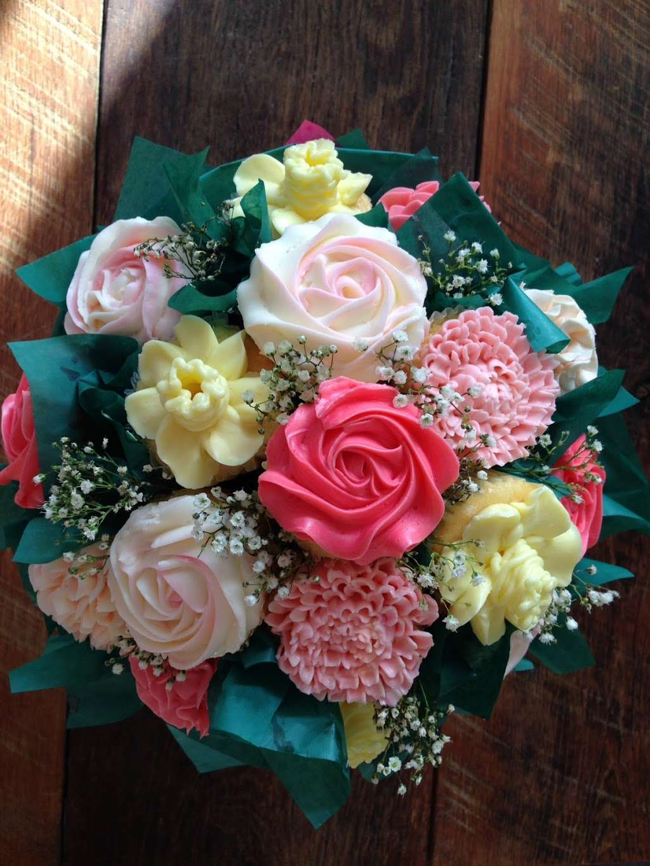 Wildflour Cupcake Shoppe - store  | Photo 1 of 3 | Address: 1009 Mainsail Cir, Jupiter, FL 33477, USA | Phone: (561) 339-5229