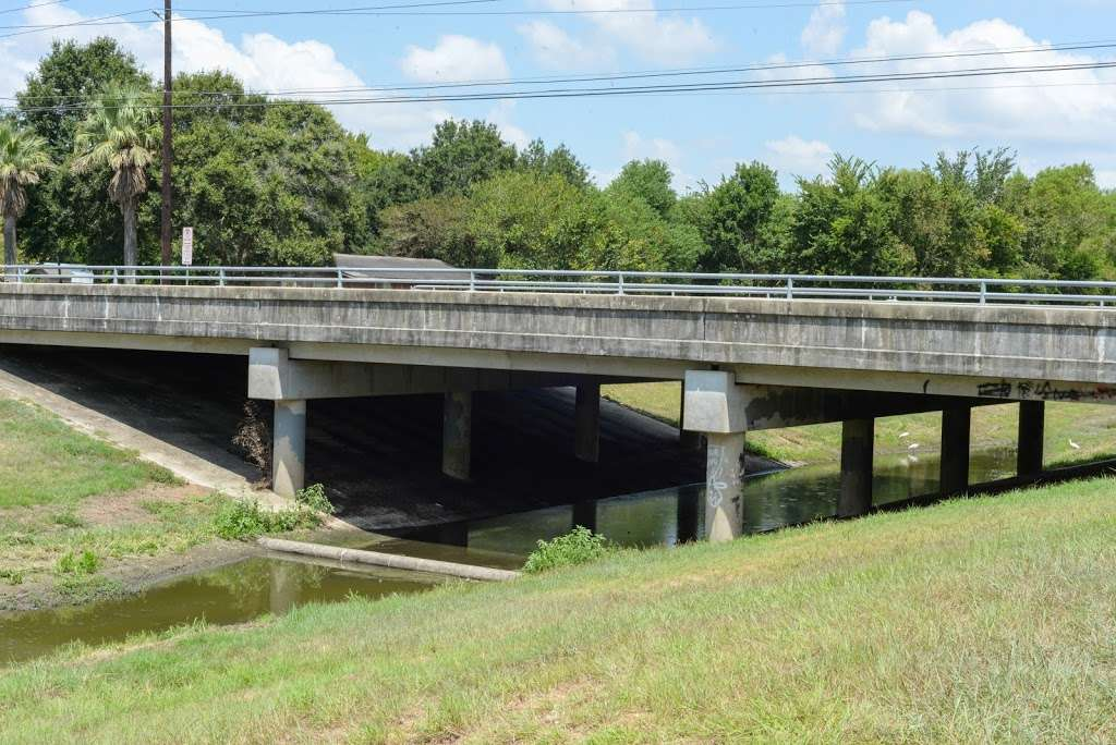 Fite bridge bat colony - museum  | Photo 1 of 8 | Address: 6354 Nelson Rd, Pearland, TX 77584, USA | Phone: (281) 652-1600