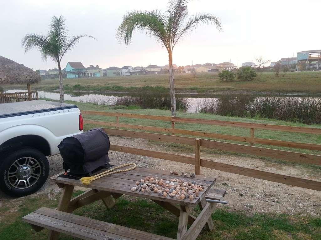 Ships Wheel - night club  | Photo 4 of 10 | Address: 1271 State Hwy 87, Port Bolivar, TX 77650, USA | Phone: (409) 684-4036