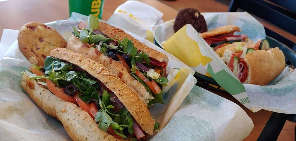Subway - meal takeaway  | Photo 1 of 10 | Address: 13520 Paxton St Suite A-3, Pacoima, CA 91331, USA | Phone: (818) 899-3900