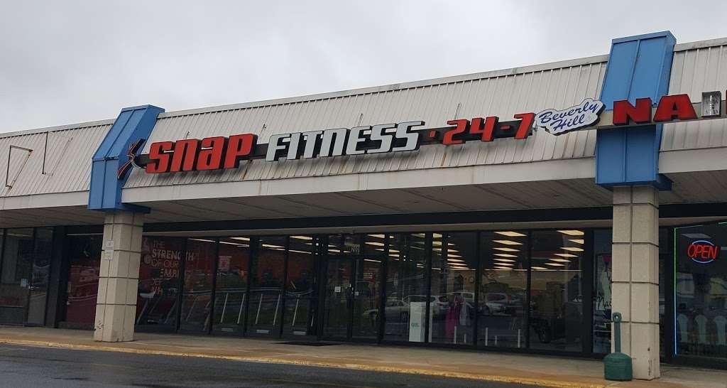 Snap Fitness - gym  | Photo 1 of 5 | Address: 200 S Best Ave, Walnutport, PA 18088, USA | Phone: (610) 767-2616