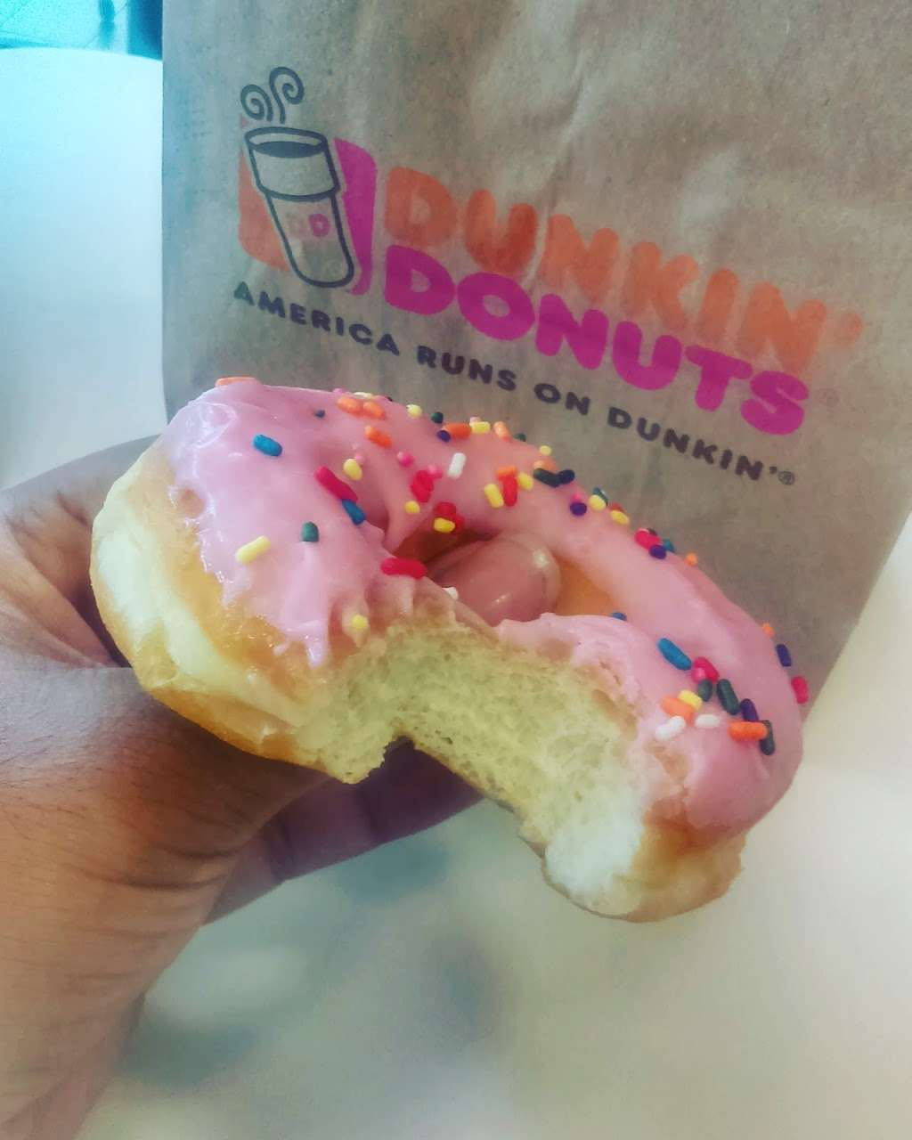 Dunkin Donuts - cafe  | Photo 7 of 7 | Address: 10450 Wiles Rd, Coral Springs, FL 33076, USA | Phone: (954) 255-9642