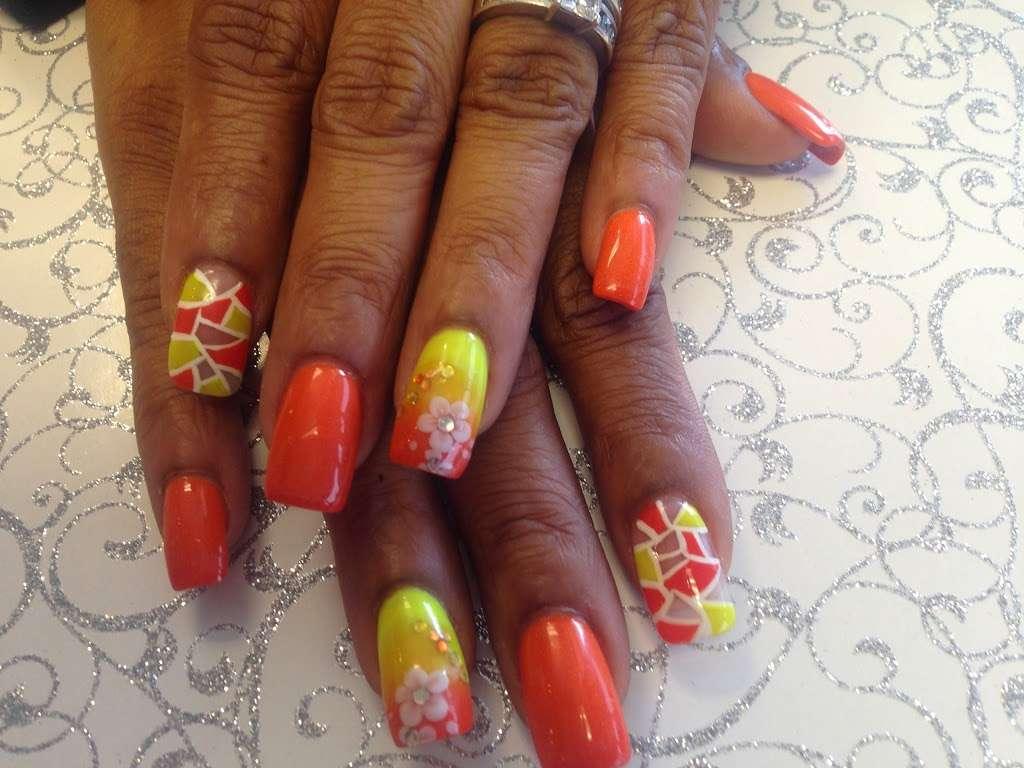 CR Nails Design - spa  | Photo 7 of 10 | Address: 20680 Westheimer Pkwy #30, Katy, TX 77450, USA | Phone: (281) 398-6245