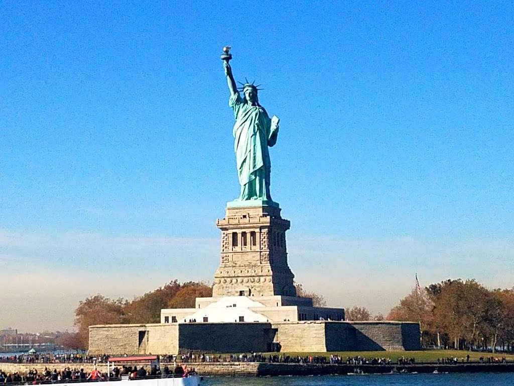 Liberty State Park - park  | Photo 2 of 10 | Address: 200 Morris Pesin Dr, Jersey City, NJ 07305, USA | Phone: (201) 915-3403