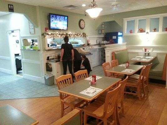 Elite Pizza & Restaurant II - meal delivery    Photo 1 of 7   Address: Rhode Island 102, 1452 Broncos Hwy, Harrisville, RI 02830, USA   Phone: (401) 567-7767