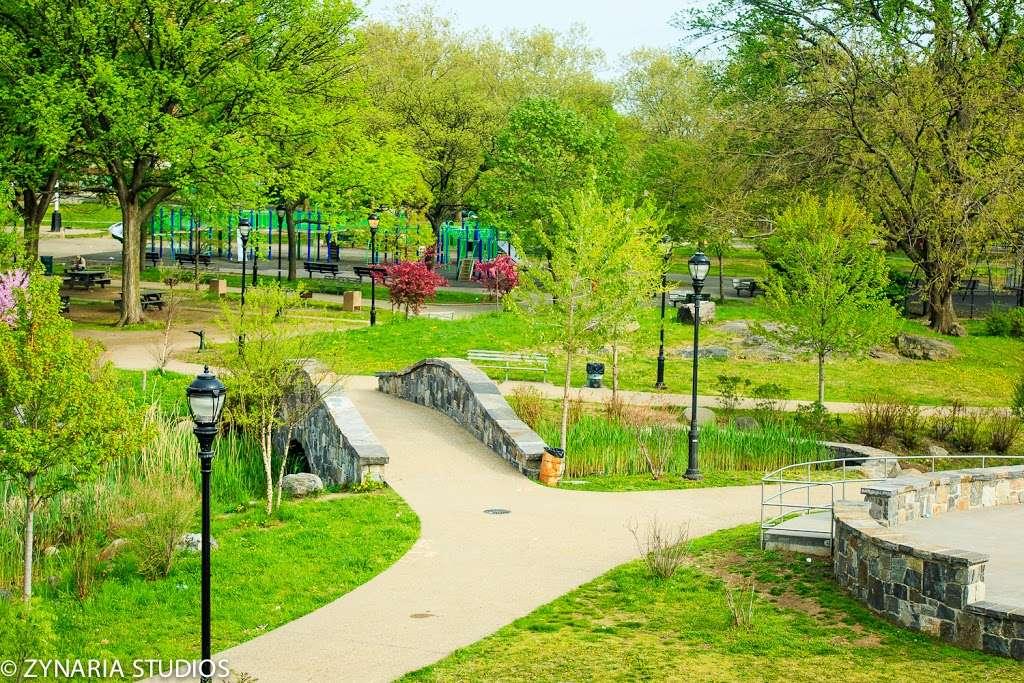 Crotona Park - travel agency  | Photo 1 of 10 | Address: Charlotte St, Bronx, NY 10457, USA | Phone: (212) 639-9675
