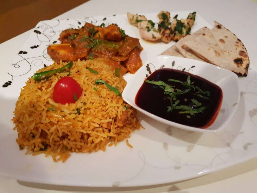 Sultans Indian Takeaway Hutton Essex - meal takeaway  | Photo 7 of 10 | Address: 74a Woodland Ave, Brentwood CM13 1HH, UK | Phone: 01277 849644