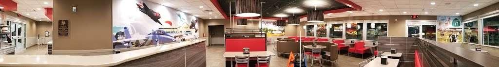 Carls Jr. - restaurant  | Photo 10 of 10 | Address: 2556 Euclid Ave, Ontario, CA 91762, USA | Phone: (909) 984-1871