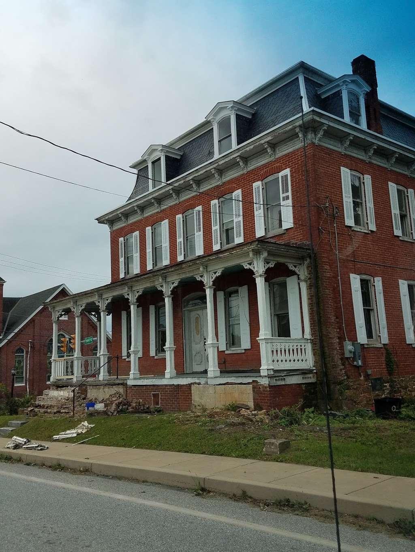 Mariposa Inn - lodging  | Photo 2 of 8 | Address: 2620 Freysville Rd, Red Lion, PA 17356, USA | Phone: (301) 385-0215