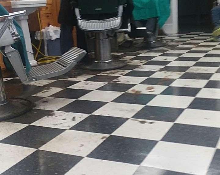 South End Barber Shop - hair care  | Photo 2 of 10 | Address: 404 N Main St, China Grove, NC 28023, USA | Phone: (704) 857-1891