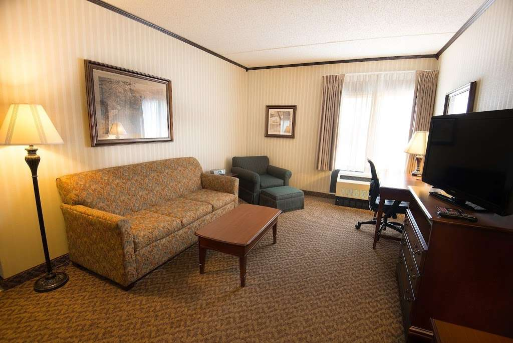 Hampton Inn Carlstadt-At The Meadowlands - lodging    Photo 8 of 10   Address: 304 Paterson Plank Rd, Carlstadt, NJ 07072, USA   Phone: (201) 935-9000