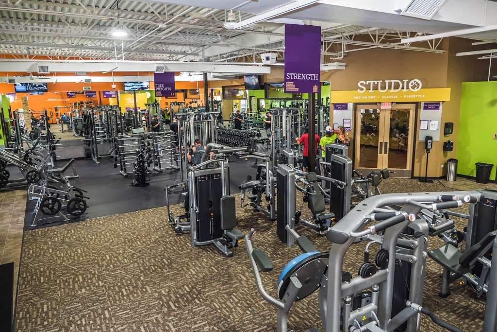 Anytime Fitness 9521 Ackman Rd Lake In The Hills Il 60156 Usa