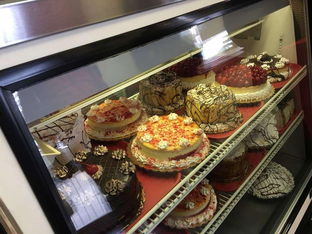 La Cheesecake - bakery  | Photo 5 of 10 | Address: 126-06 14th Ave, College Point, NY 11356, USA | Phone: (718) 359-3718