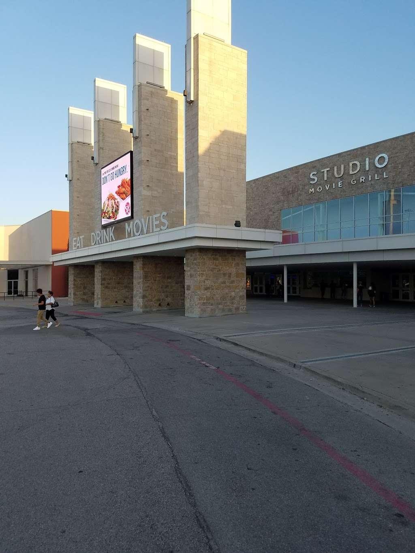Studio Movie Grill - movie theater  | Photo 6 of 10 | Address: 10110 Technology Blvd E, Dallas, TX 75220, USA | Phone: (469) 405-8531