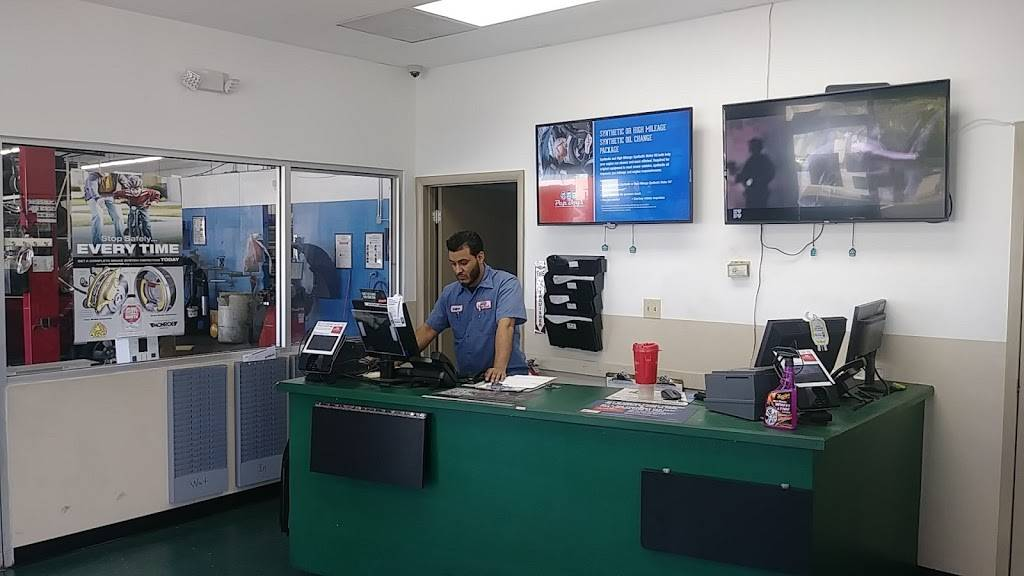 Pep Boys Auto Service & Tire - Formerly Just Brakes - car repair  | Photo 1 of 10 | Address: 3327 W Colonial Dr, Orlando, FL 32808, USA | Phone: (407) 521-8111