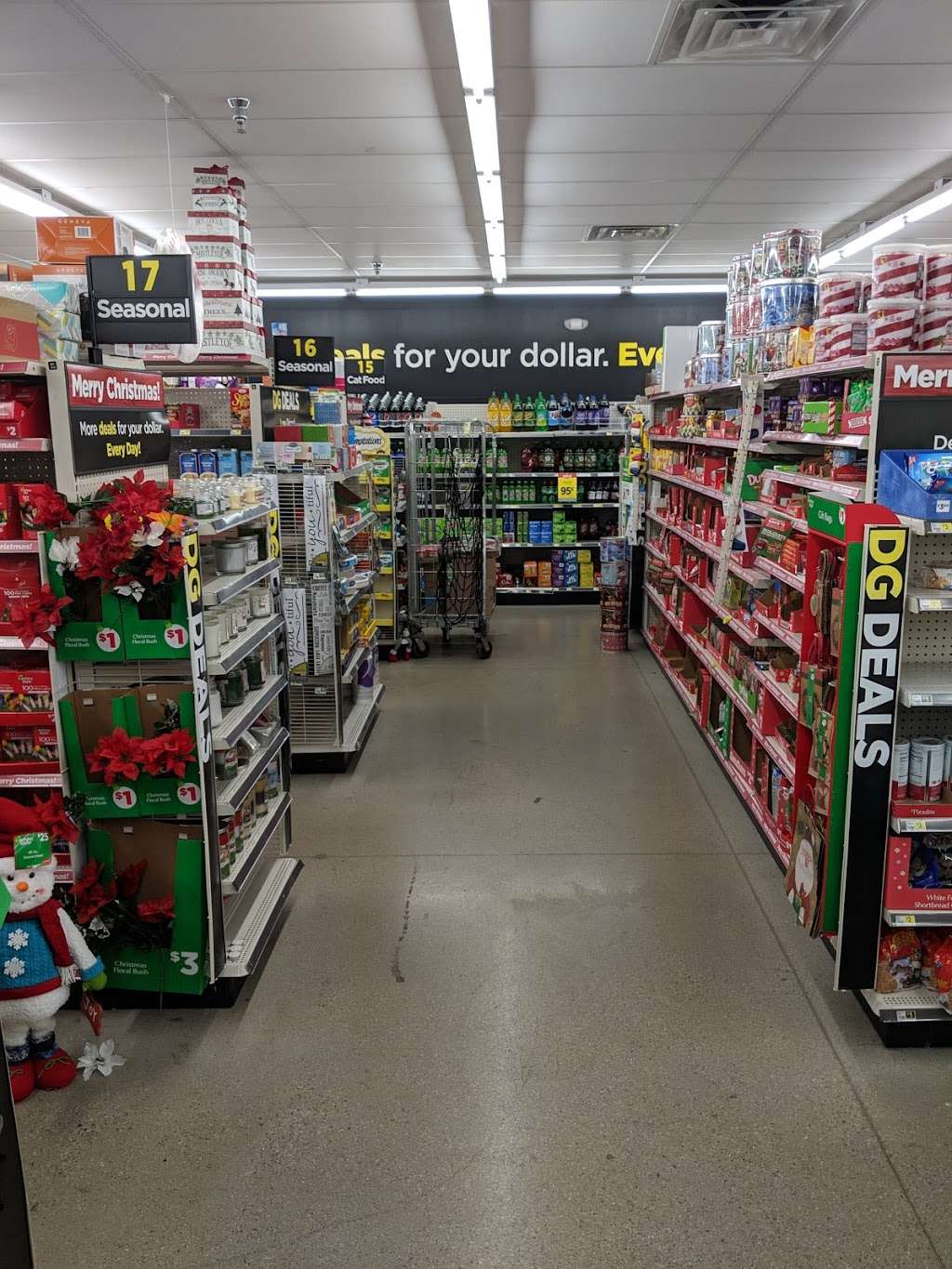 Dollar General - home goods store  | Photo 2 of 10 | Address: 422 W Camp Wisdom Rd, Duncanville, TX 75116, USA | Phone: (469) 490-2605
