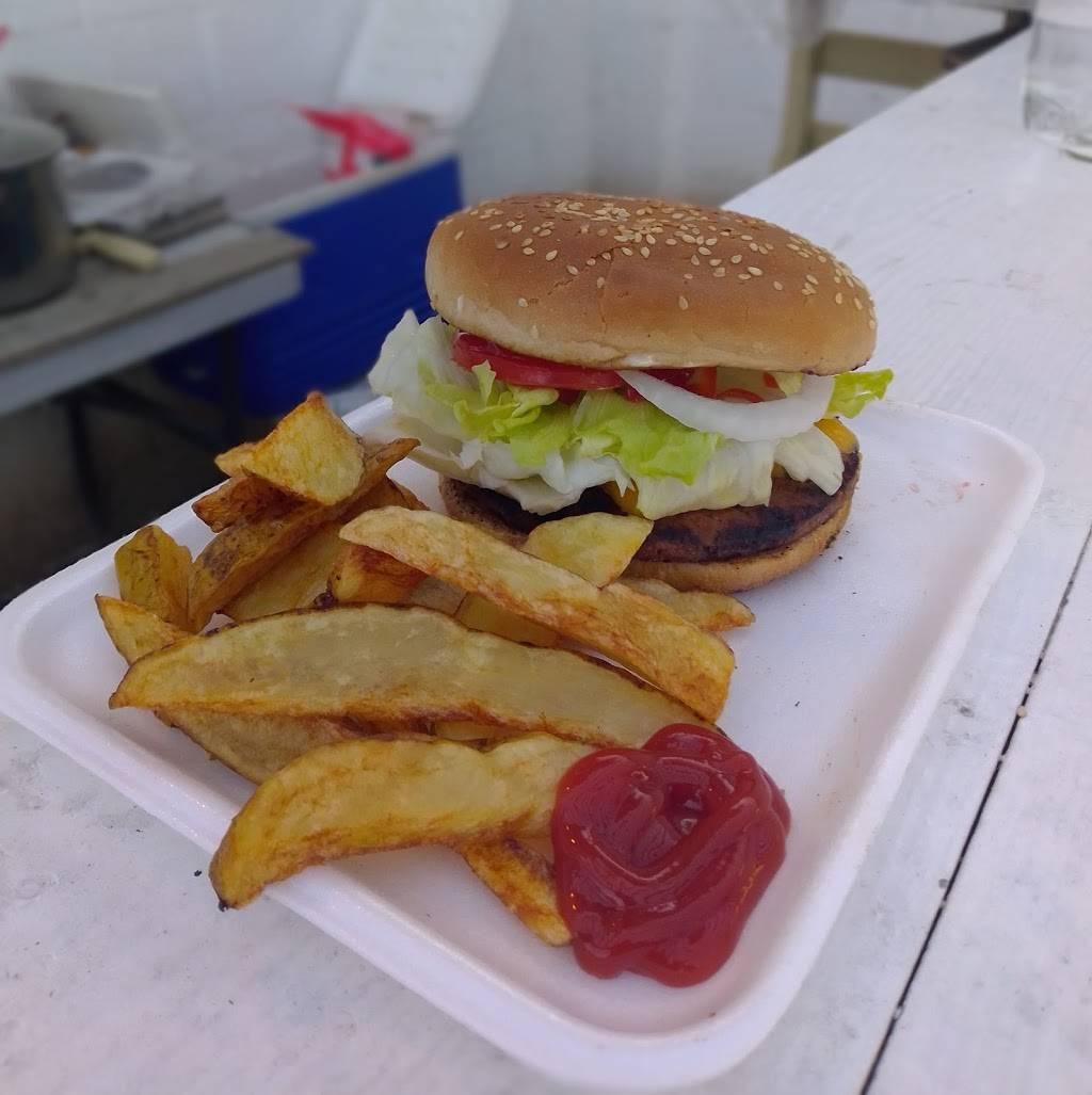Burger Grinchs - restaurant  | Photo 2 of 8 | Address: Las Víboras 11523-4, Lomas de la Presa, 22125 Tijuana, B.C., Mexico | Phone: 664 318 7699