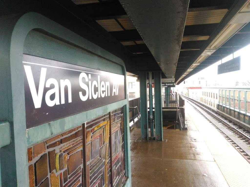Van Siclen Av - subway station  | Photo 5 of 10 | Address: Brooklyn, NY 11207, USA