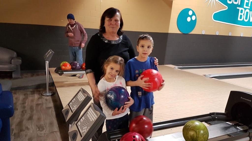Super Bowl - bowling alley  | Photo 6 of 10 | Address: 10000 Tecumseh Rd E, Windsor, ON N8R 1A2, Canada | Phone: (519) 735-7500