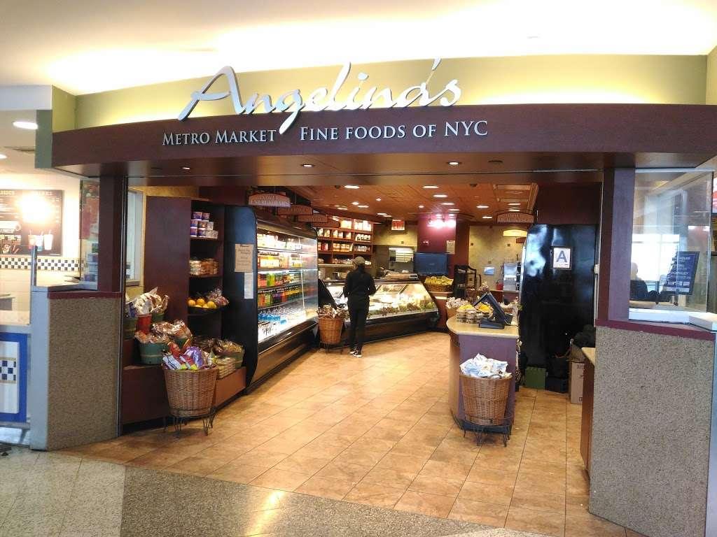 Angelinas Gourmet Kitchen - restaurant    Photo 3 of 10   Address: East Elmhurst, NY 11371, USA