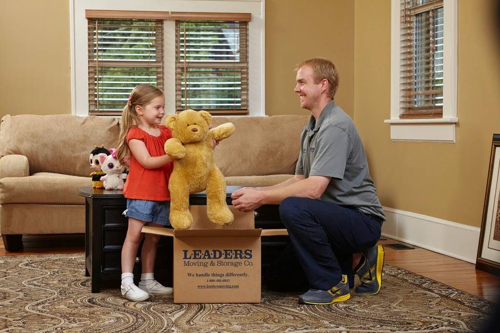 Leaders Moving & Storage Co. - moving company  | Photo 4 of 10 | Address: 4517 Industrial Pkwy, Cleveland, OH 44135, USA | Phone: (440) 497-4393