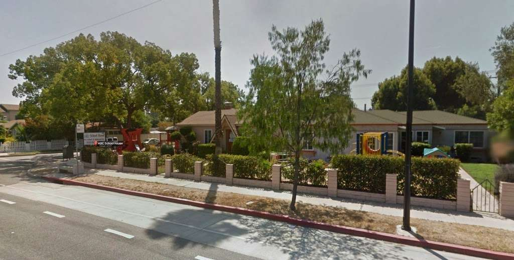 ABC School House - school  | Photo 4 of 5 | Address: 4102 W Victory Blvd, Burbank, CA 91505, USA | Phone: (818) 934-0049
