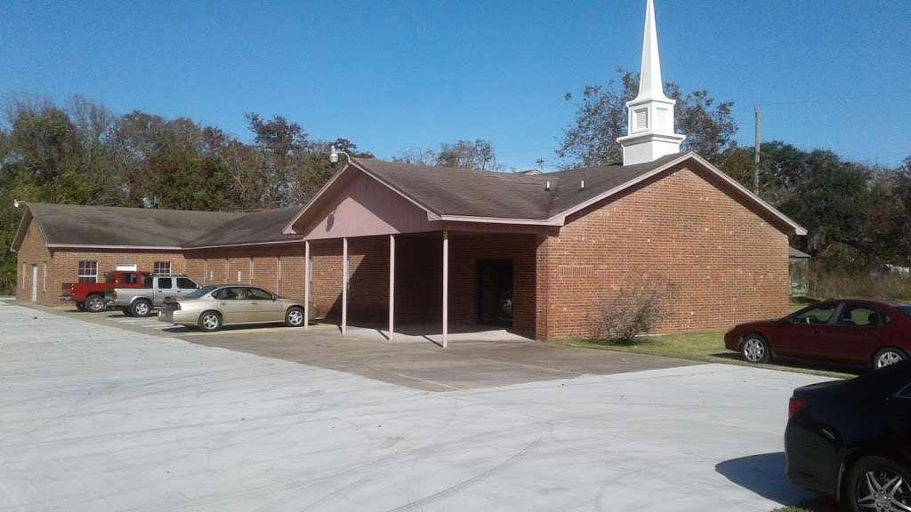 Evergreen Baptist Church - church    Photo 1 of 1   Address: Clute, TX 77531, USA   Phone: (979) 265-5974