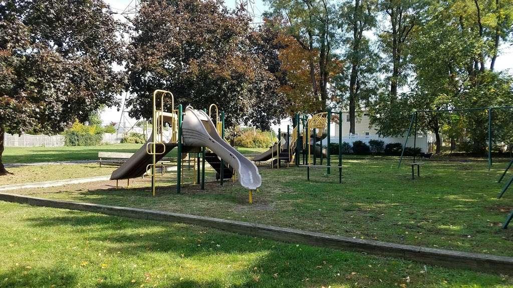 Fisher Field - park  | Photo 3 of 10 | Address: 97 6th St, North Arlington, NJ 07031, USA
